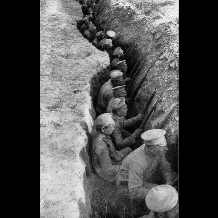 Russian troops in the trenches - Photo: Public Domain
