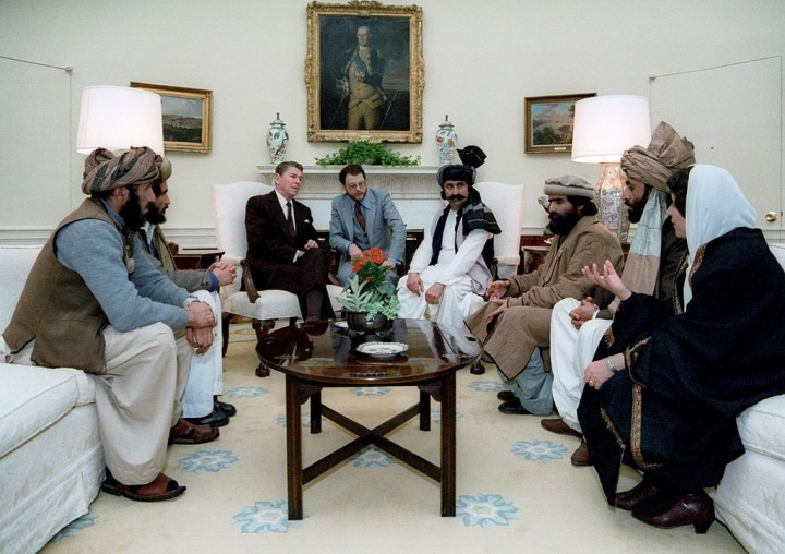 1024px Reagan sitting with people from the Afghanistan Pakistan region in February 1983 Image public domain