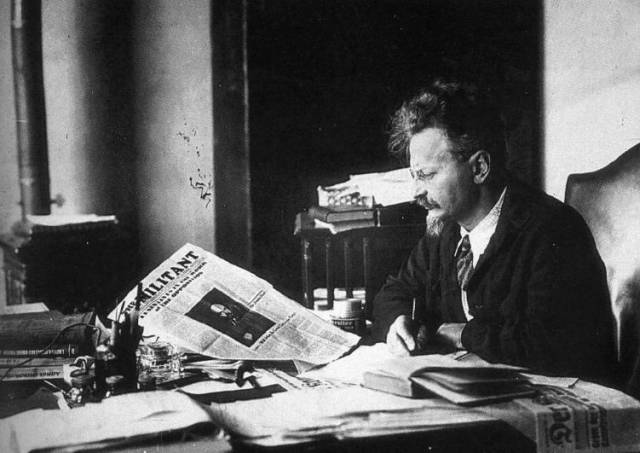 Trotsky reading the militant