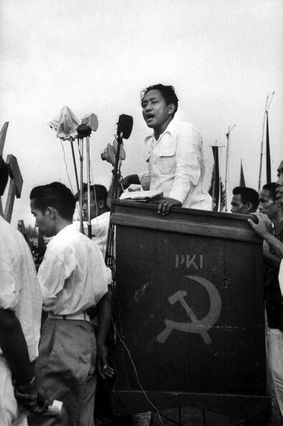 DN Aidit speaking at PKI election meeting 1955 Image public domain