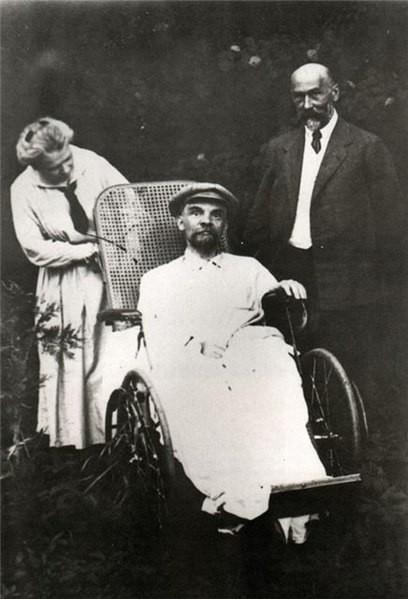 Final photo of Lenin Image fair use