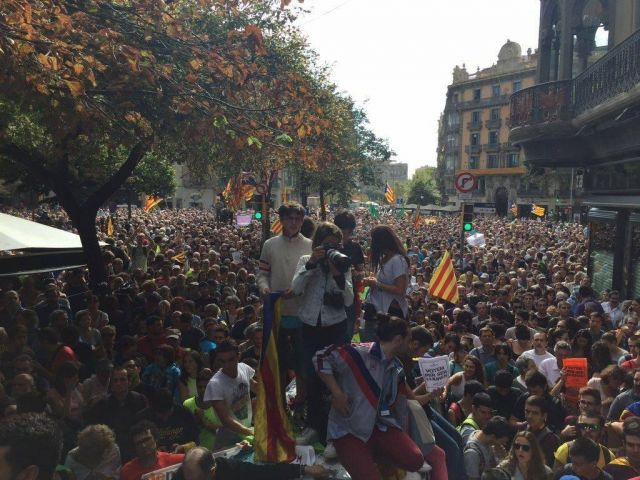 barcelona catalan referendum rally accent