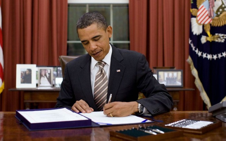 Obama Signs Document Image Flickr The White House
