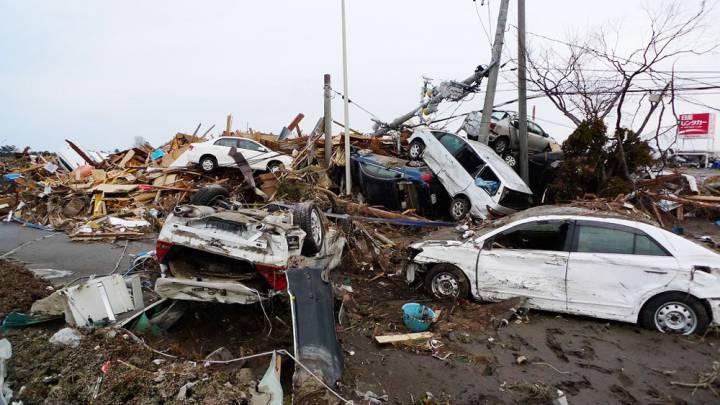 tsunami damange Sendai Airport-Roberto De Vido
